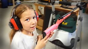 8 year old Sharp Shot Smashes 22lr from 7 yards! –Sharp Shots In The Field